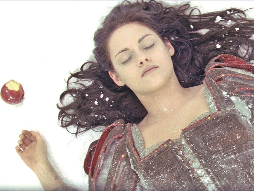 John Lewis Wedding Insurance Promo Code: First She Lost Her Boyfriend Robert Pattinson, Now Kristen