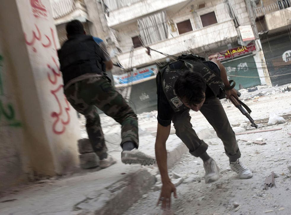 Free Syrian Army fighters in Aleppo