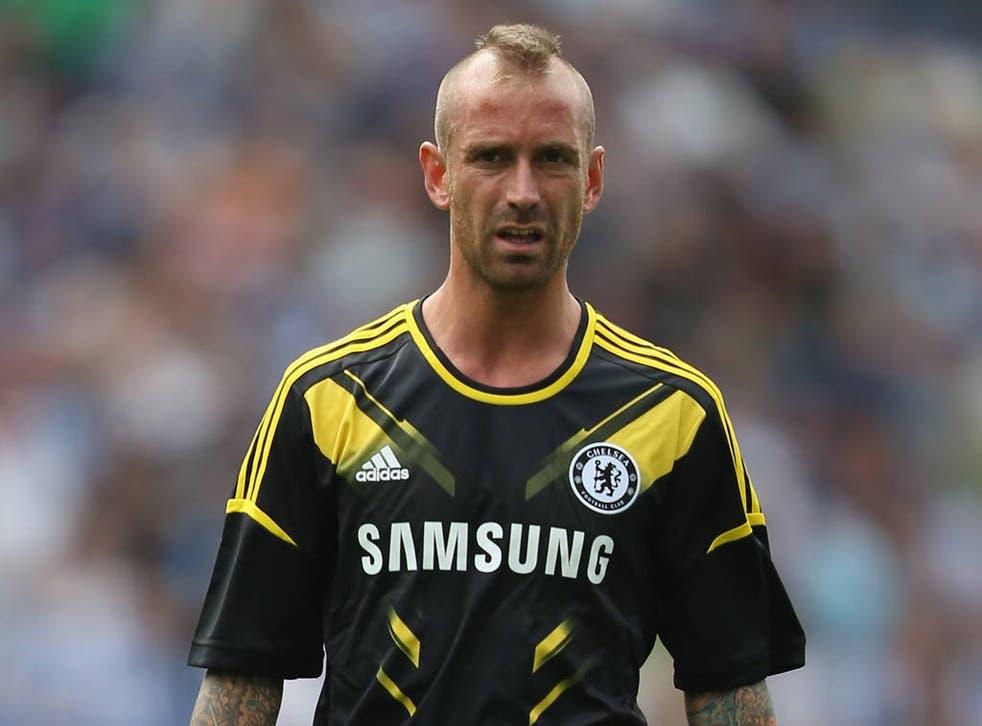 Chelsea midfielder Raul Meireles