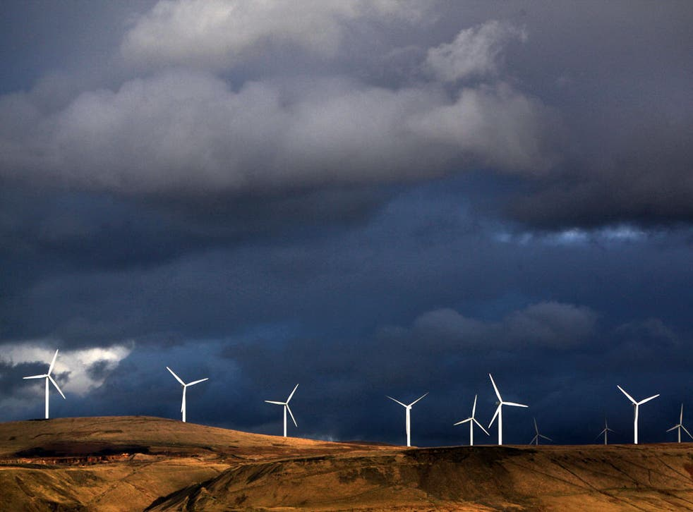 Ed Davey proposes offering financial benefits to communities that agree to host new wind turbines