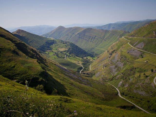 Drive along the Cordillera Cantabrica