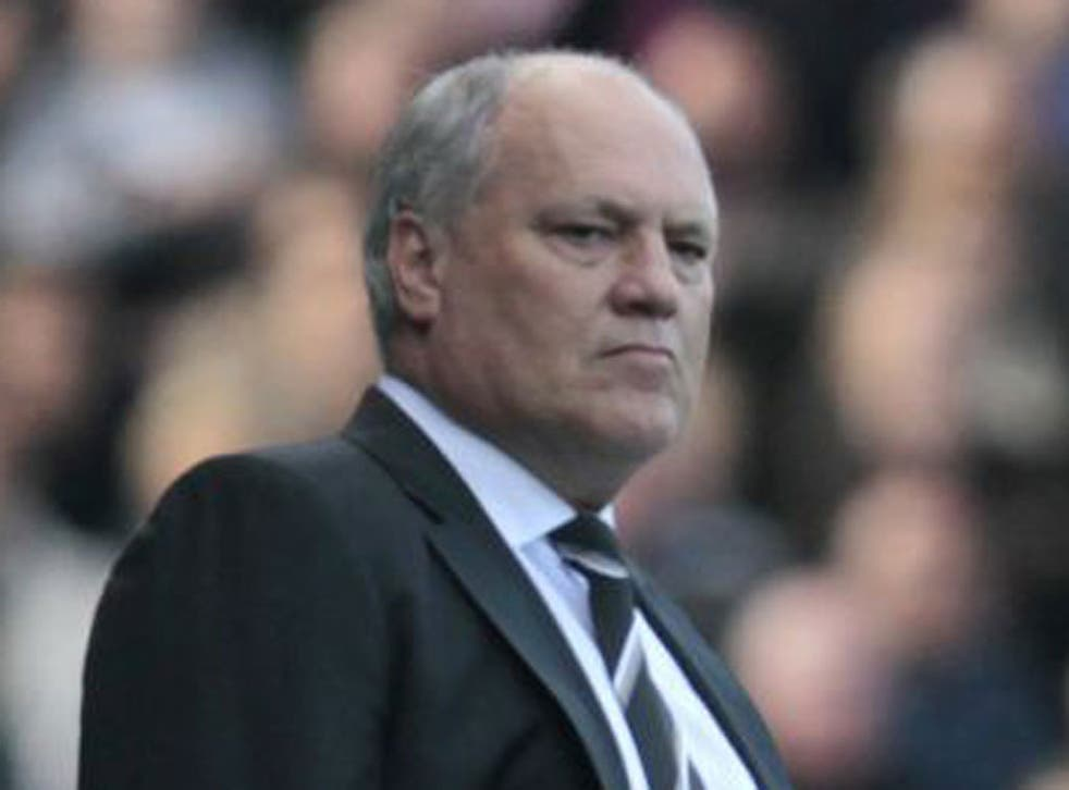The Fulham manager has denied being unpopular with his team