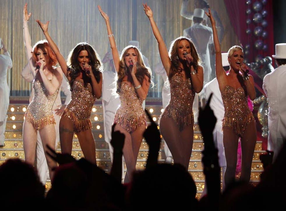 Girls Aloud performing in 2009