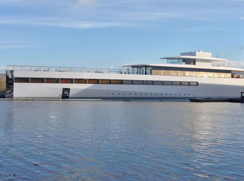 Jobs's iYacht: More than 250ft long, Sends giant ripples through the ocean (if not the universe), available in white and silver (but, unlike the iPhone 5, not black)