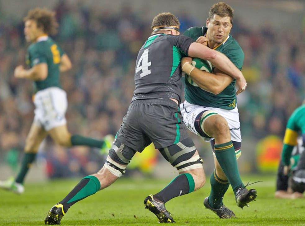 Spring-block: Ireland's Donnacha Ryan challenges Williem Alberts