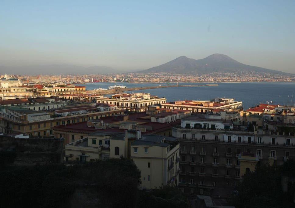 Mount Vesuvius eruption risk: Emergency plans to evacuate
