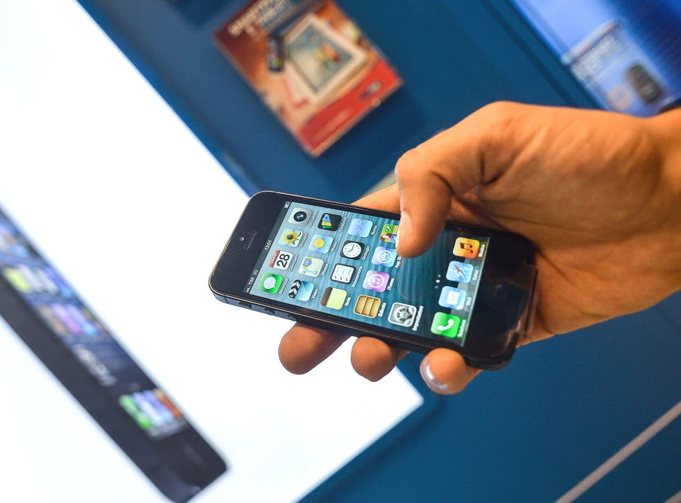 Apple has seen share price tumble by a quarter since September when iPhone5 debuted