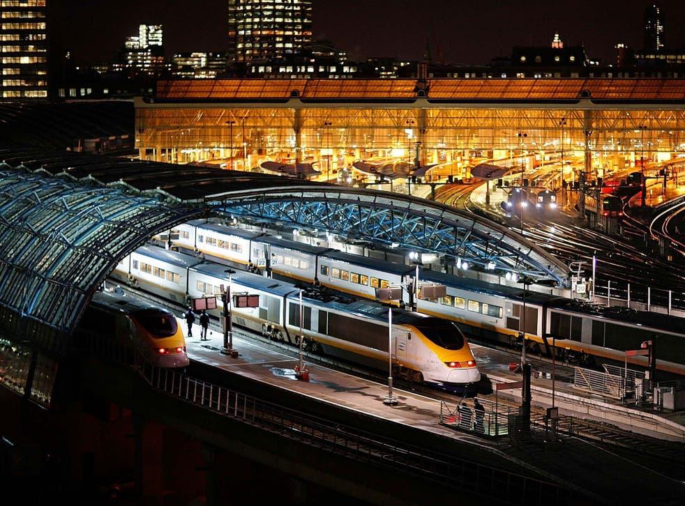 La línea HS1 va desde St Pancras hasta que pasa al subterráneo en Kent.