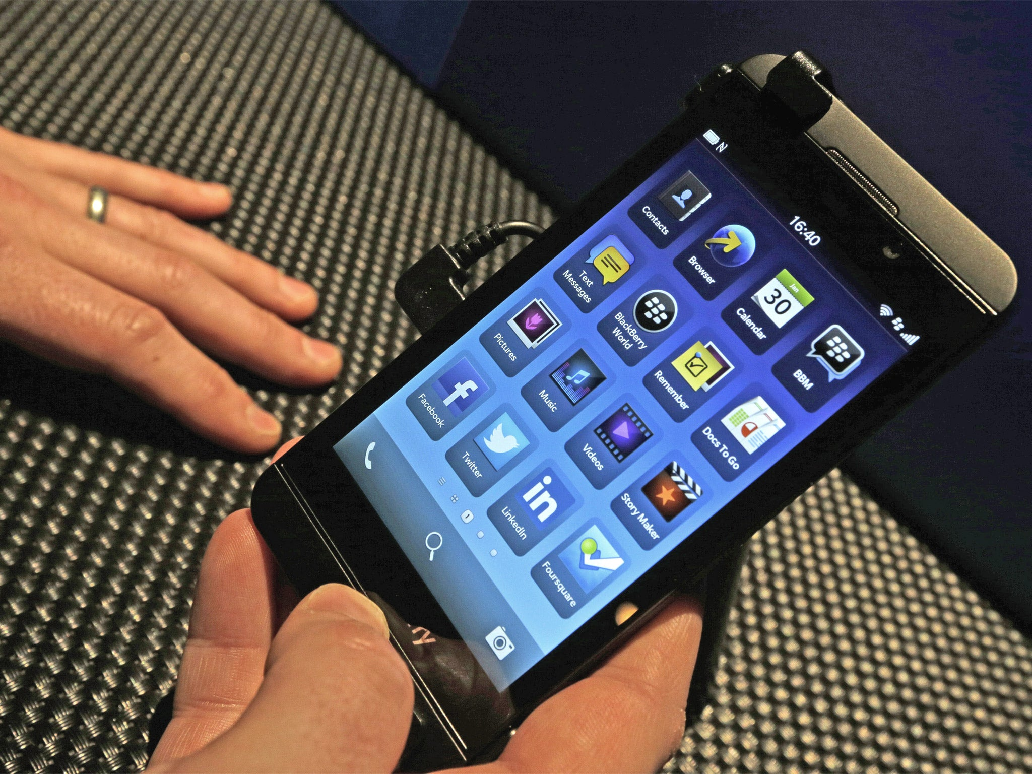 BlackBerry 10: A show-stopping debut for a new operating ...