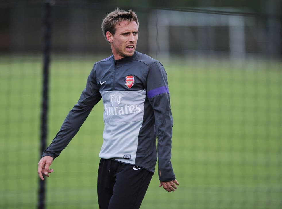 Nacho Monreal takes part in training session