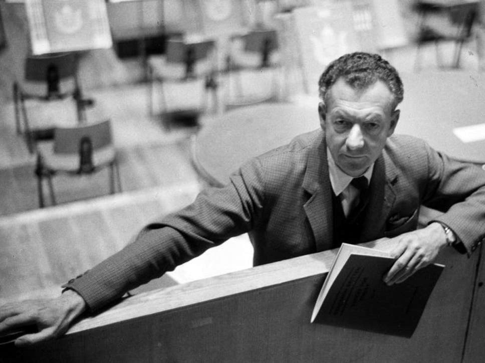 Benjamin britten and the ministry of defence censors the independent benjamin britten at the royal festival hall london holding the score of his cantata fandeluxe Choice Image