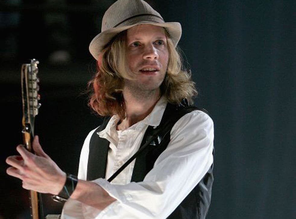 Caught in the Net is driven crazy as Beck takes on Bowie
