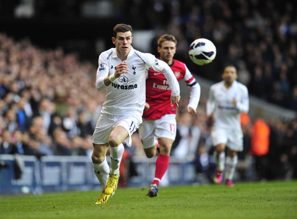 Tottenham Hotspur's Welsh midfielder Gareth Bale (L) chases the ball at the 3 March game