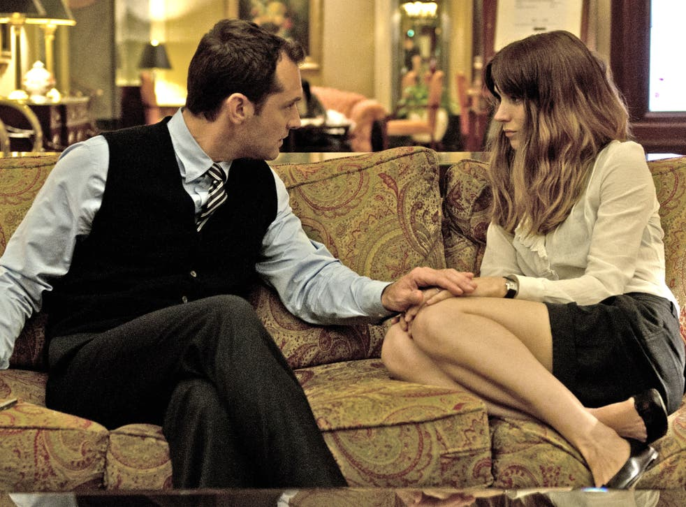 Screen chemistry: Jude Law and Rooney Mara in 'Side Effects'
