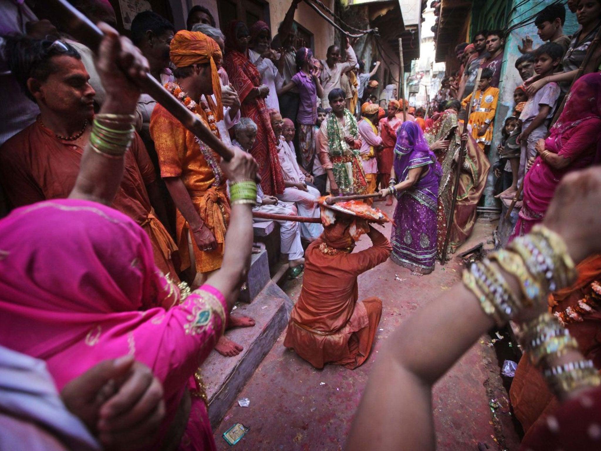 Hindus condemn CNN presenter who ate human brain during documentary