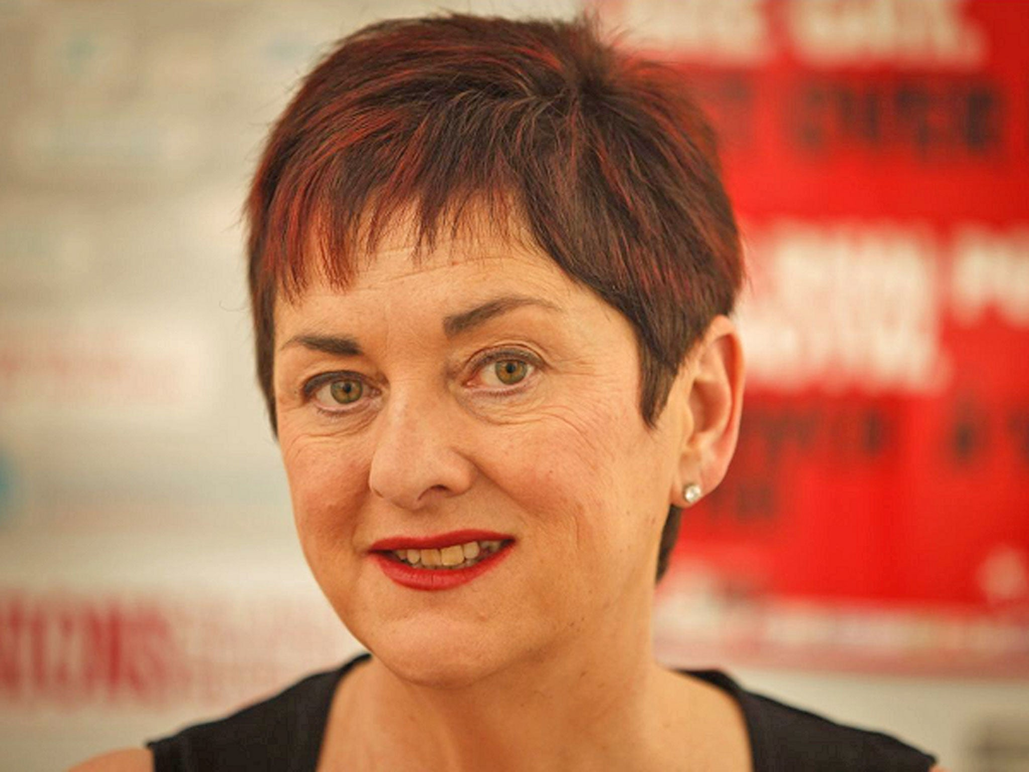 Moderate teachers' union backs vote of 'no confidence' in Education Secretary Michael Gove