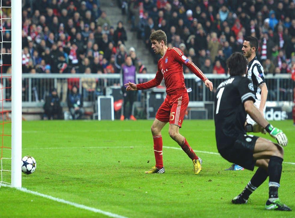 Thomas Muller slots in Bayern's second