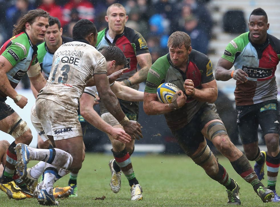 Fully charged: The Harlequins captain Chris Robshaw leads by example against Bath at The Stoop
