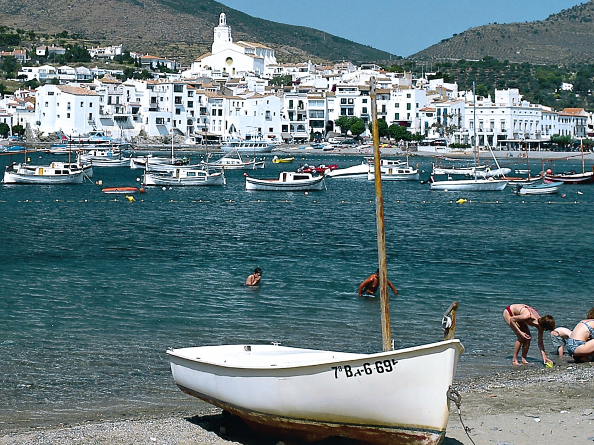 Travellers guide coastal catalonia the independent fandeluxe Gallery