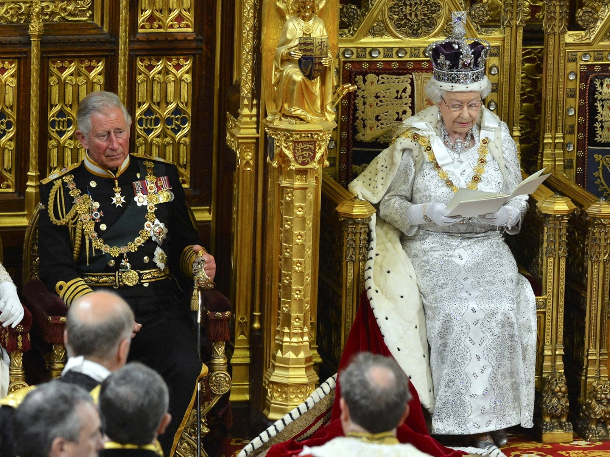 Betting suspended on queen stepping down sports betting no minimum deposit
