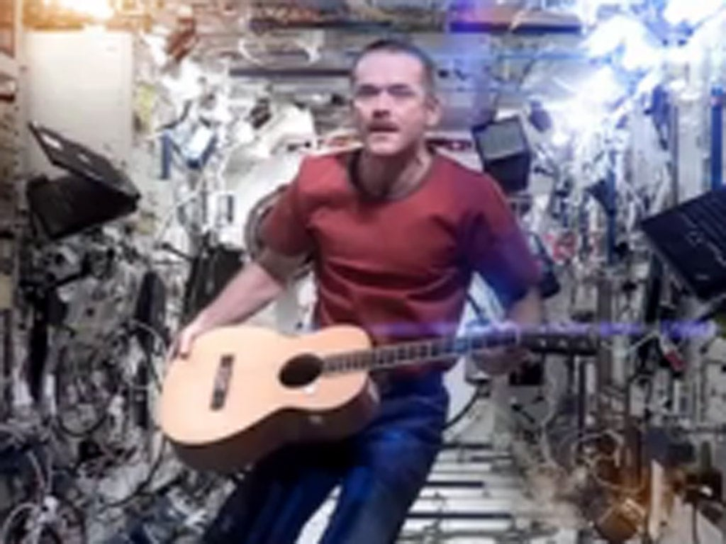 astronaut sings space oddity - photo #22