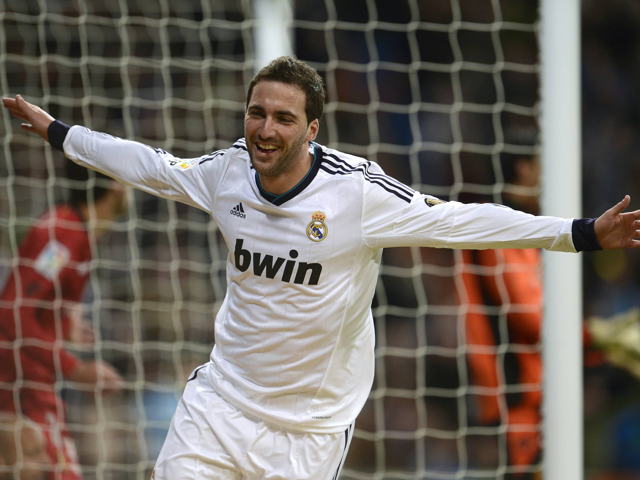 Arsenal and Manchester City linked with Real Madrid striker