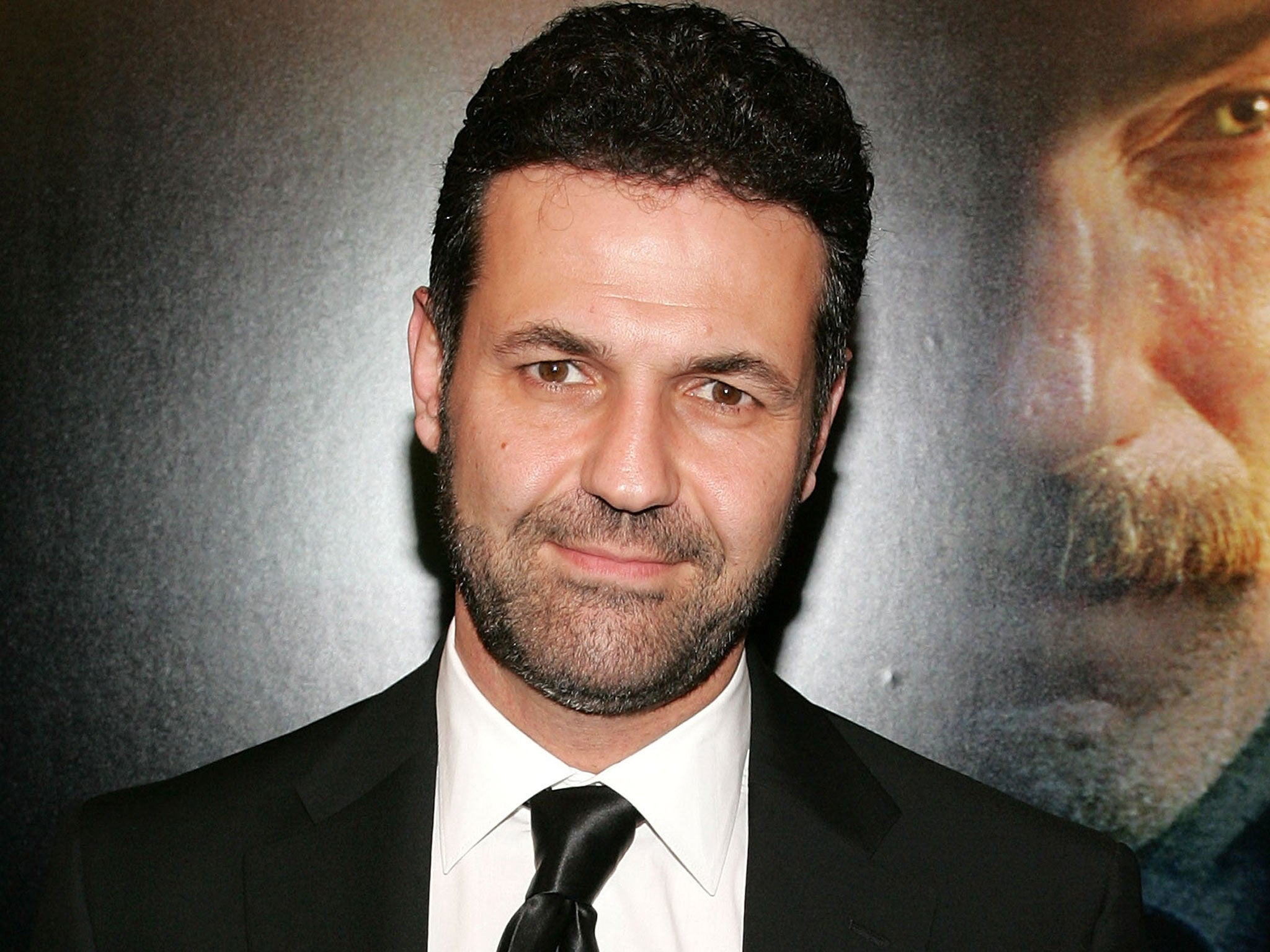 kite runner by khaled hosseini Khaled hosseini, the kite runner a gripping and emotional story of betrayal and redemption, the kite runner had me thrilled and moved, both at the same time.
