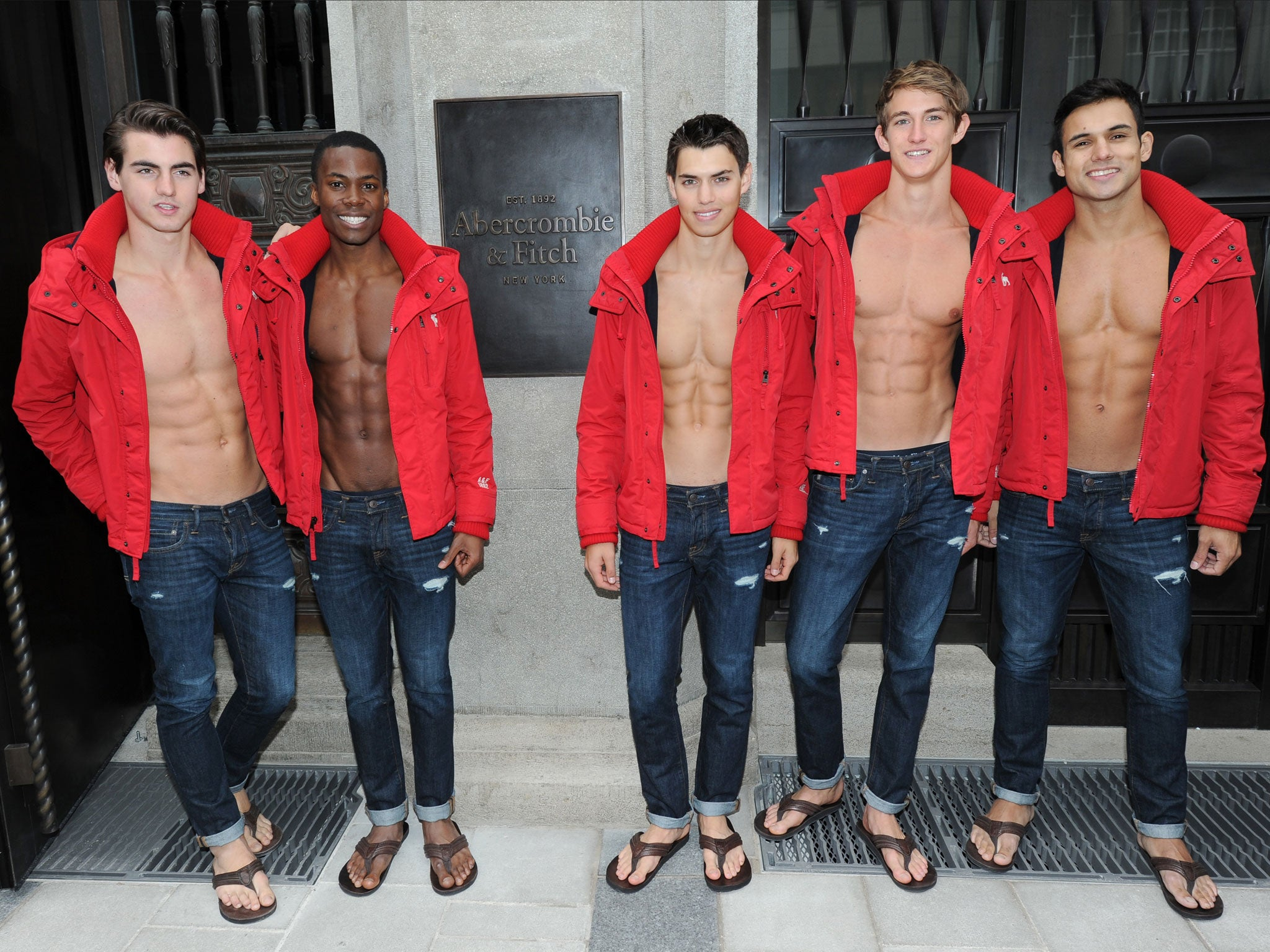 abercrombie and fitch paper Last week, a california federal judge certified a class-action suit for approximately 62,000 abercrombie & fitch employees who claim they were forced to purchase the company's clothes to wear on.