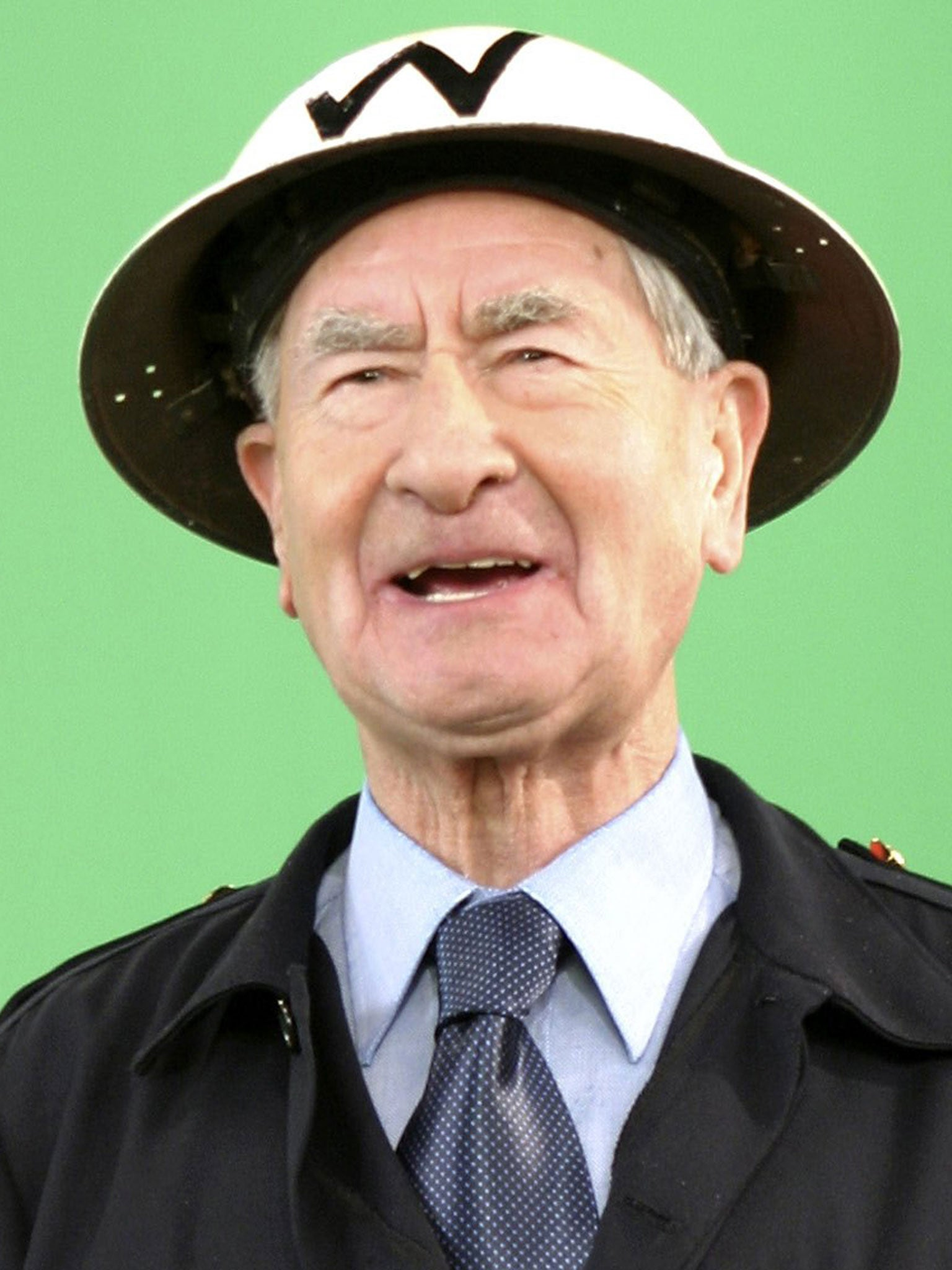 Dad S Army Actor Bill Pertwee Dies Aged 86 The Independent
