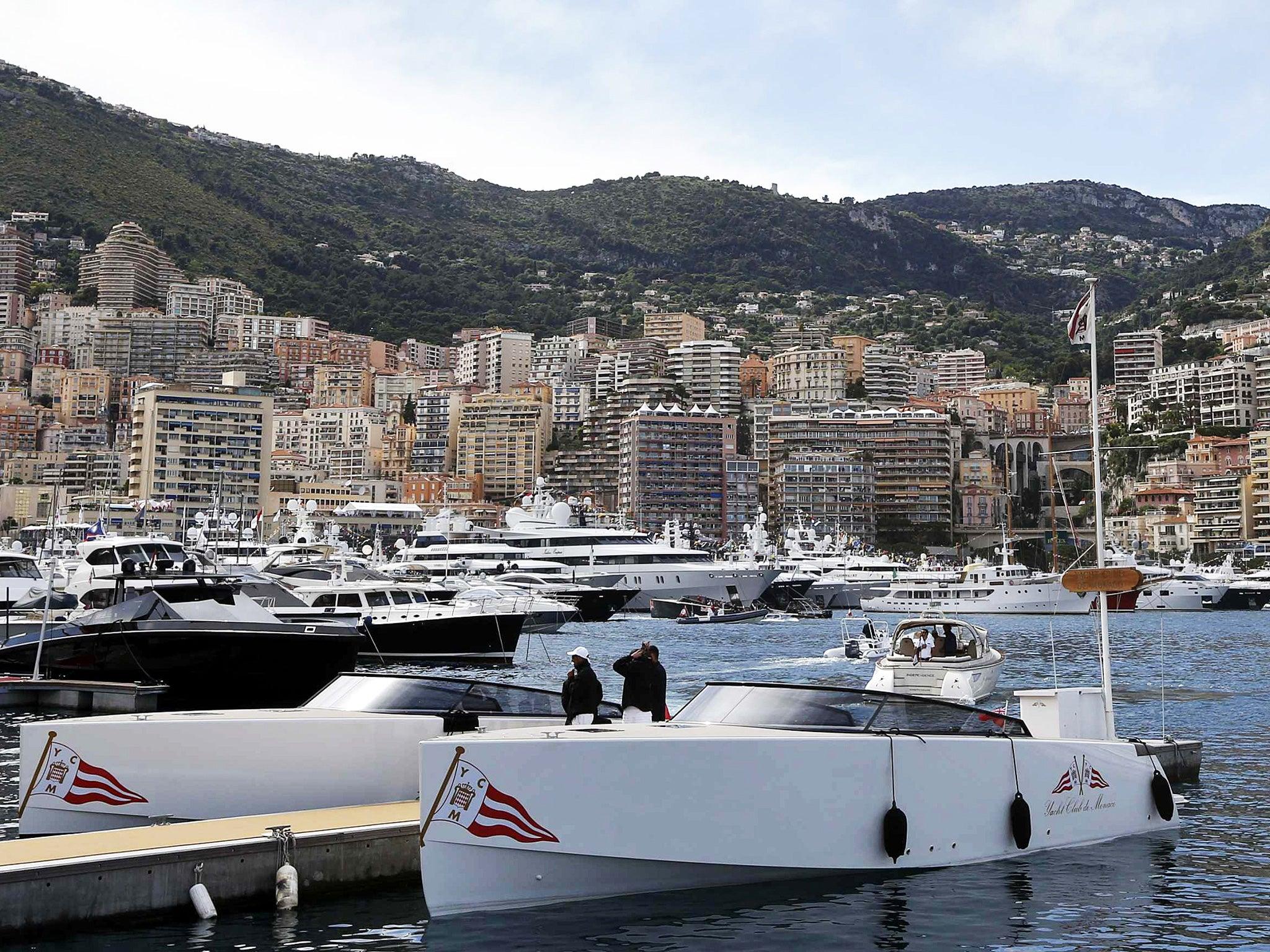 Model Hooker in Monaco
