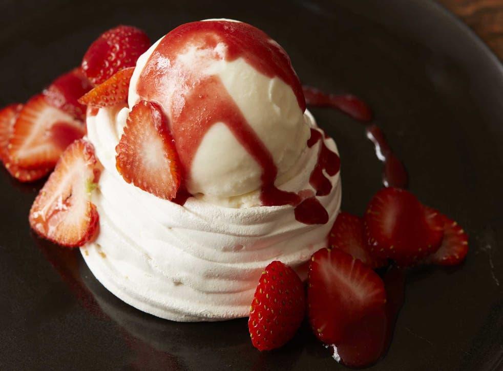 Summer treat: Strawberry meringues