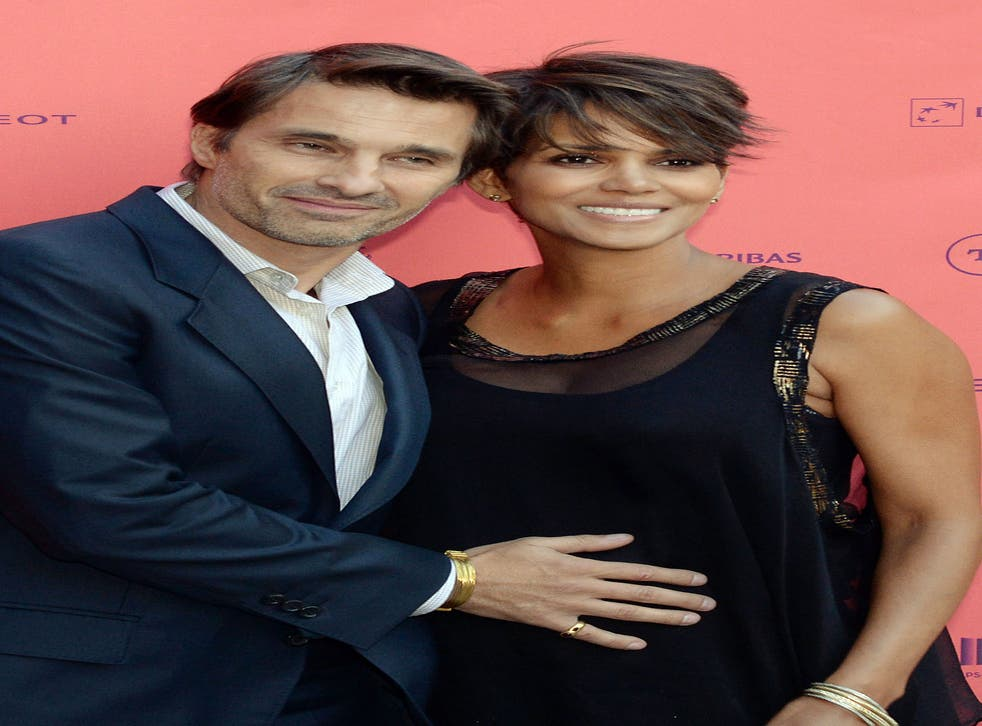 Pregnant actress Halle Berry with Olivier Martinez