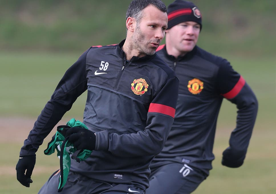 148cfeb4106 Manchester United hope Ryan Giggs  appointment as player-coach will  persuade Wayne Rooney to