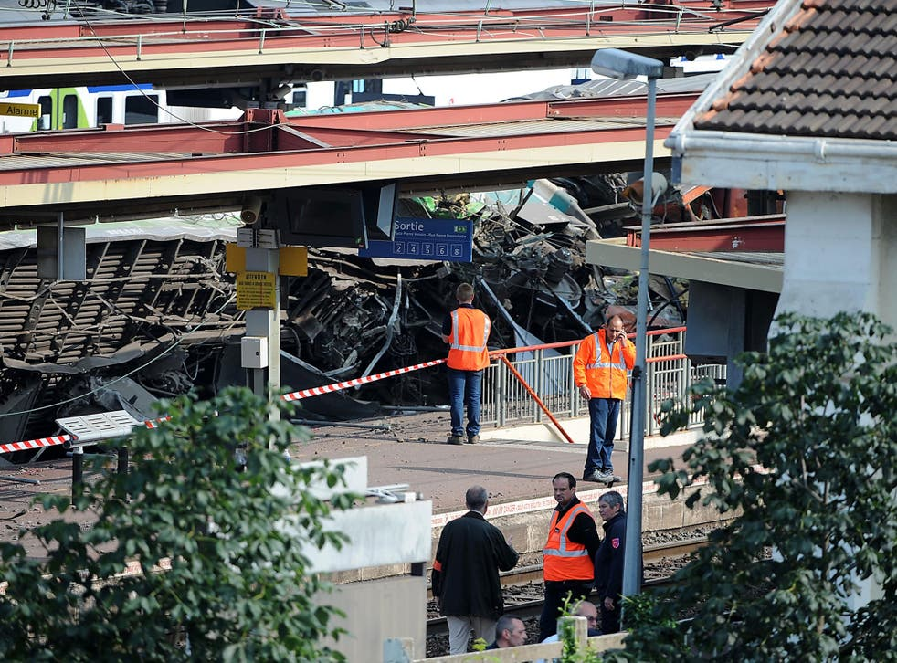 A scene from the derailment at Brétigny-sur-Orge, where a connecting bar on the track had become loose