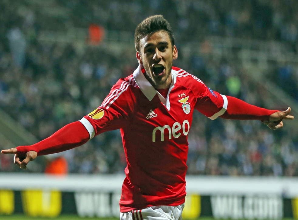 Eduardo Salvio is a similar player toJesús Navas, the winger, who completed a £17m move, rising to £21.5m in add-ons, from Sevilla to City last month