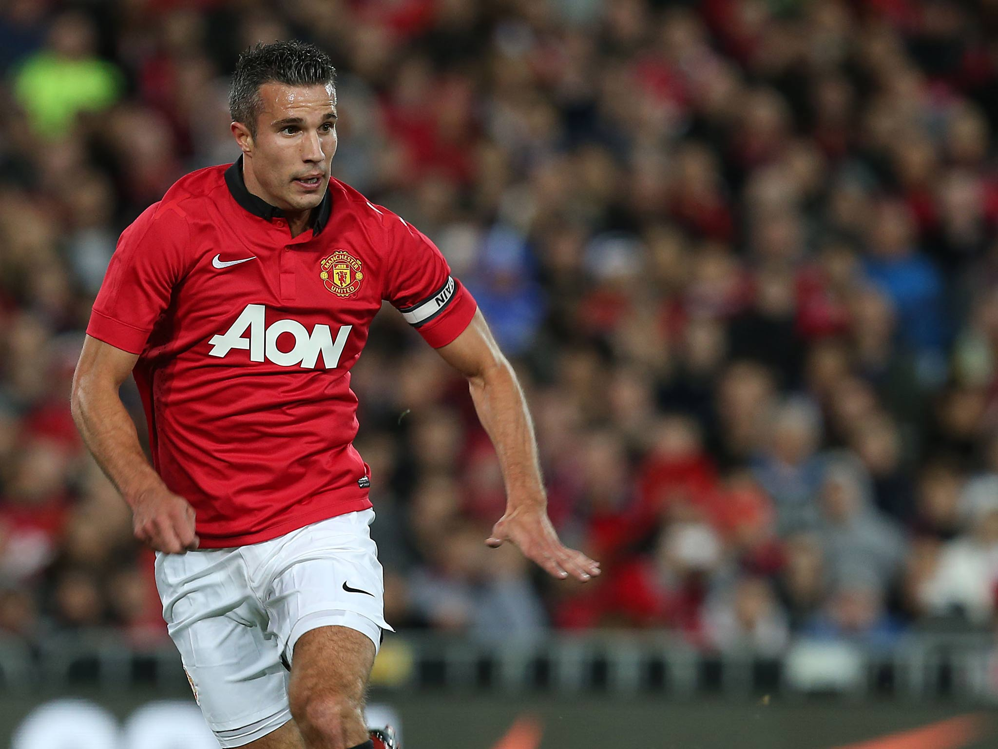 Robin van Persie denies Manchester United are vulnerable this