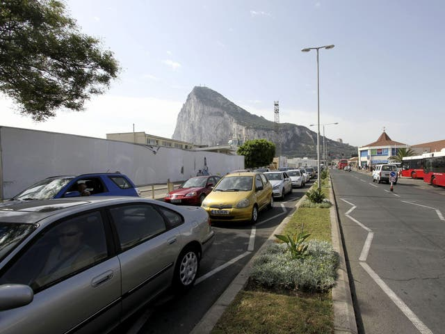A bumper to bumper queue of vehicles trying to enter Spain from Gibraltar