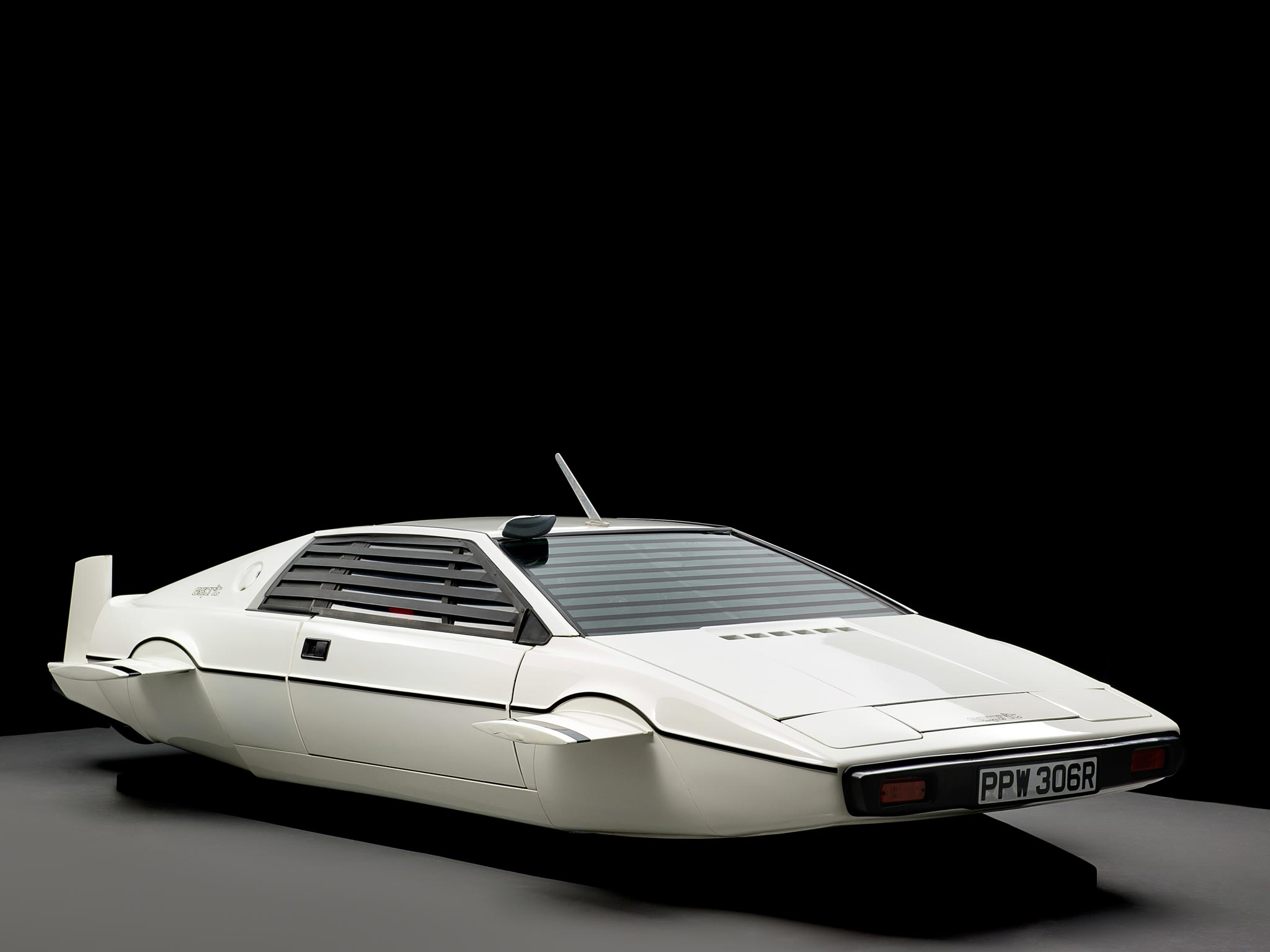 Car Auction Apps >> James Bond submarine car from 'The Spy Who Loved Me' up for auction | Home News | News | The ...