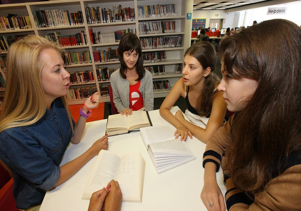 Record Numbers Of College Students Are >> Record Numbers Of Women Going To University According To Ucas The