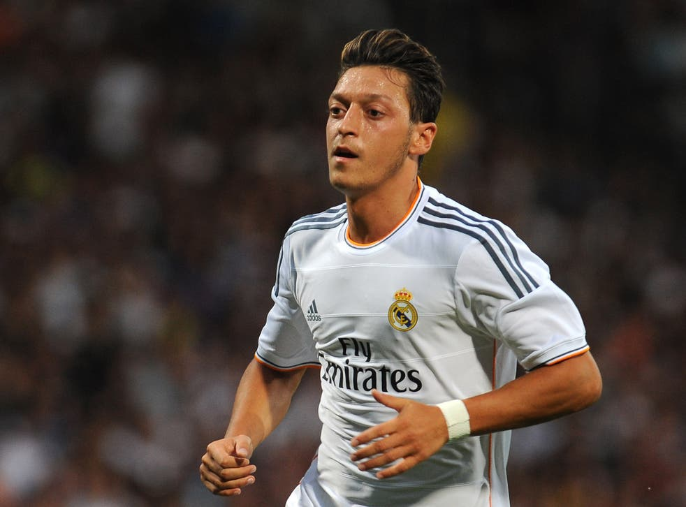 Real Madrid are believed to have offered Mesut Ozil to Manchester United