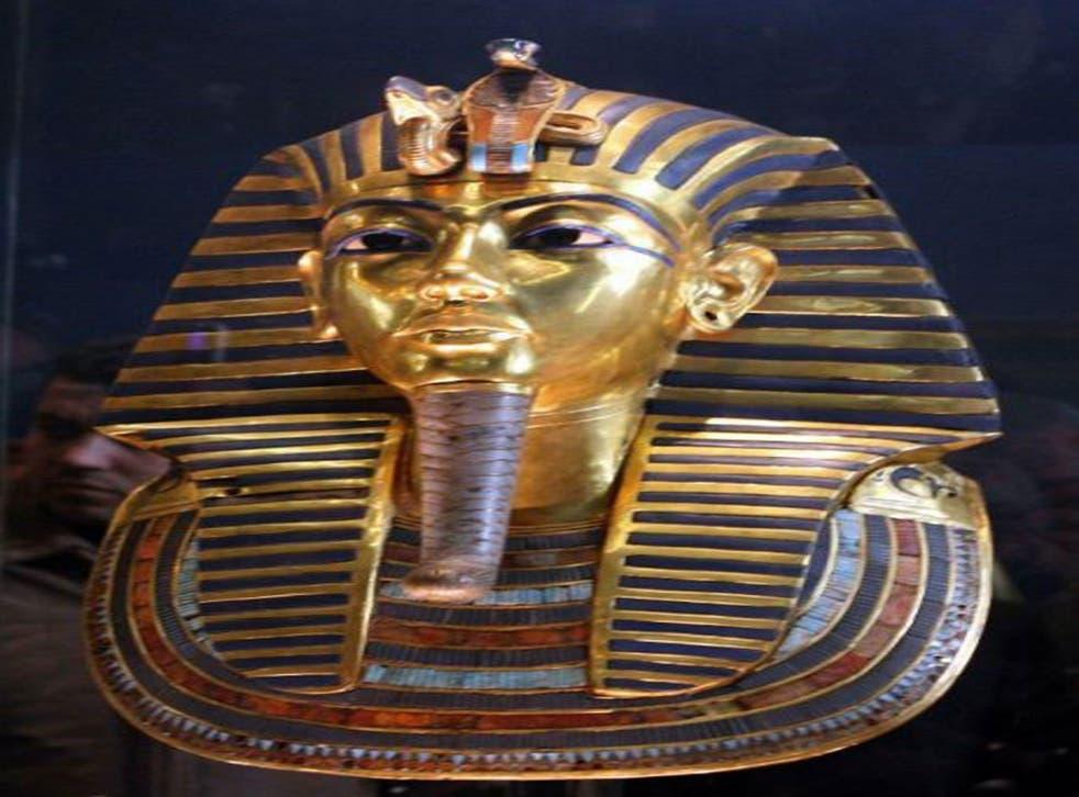 Tutankhamen's tomb has been re-created and awaits installation