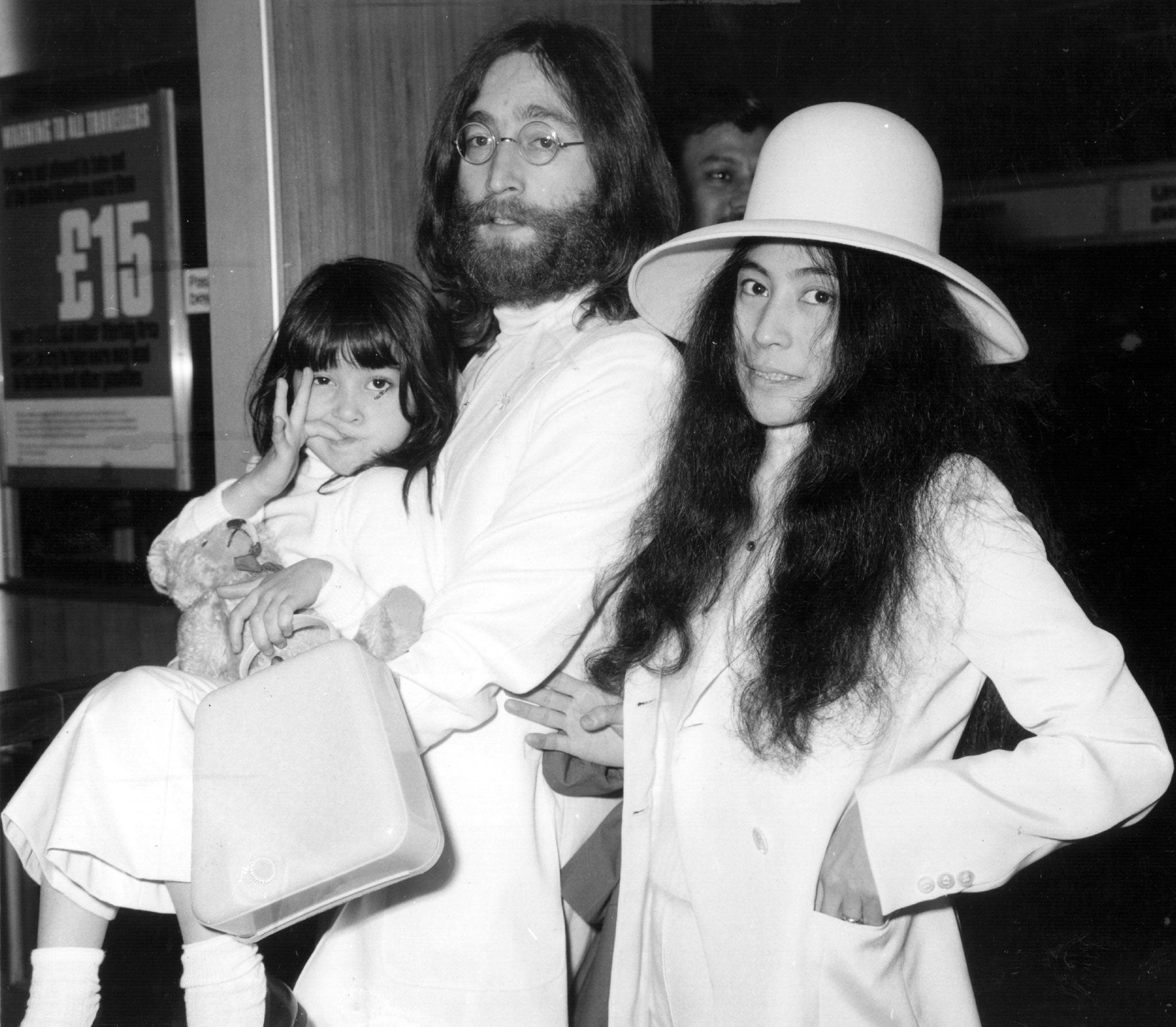 Yoko Ono With John Lennon At Londons Heathrow Airport In 1969 Them Is Kyoko Yokos Daughter From Her Previous Marriage
