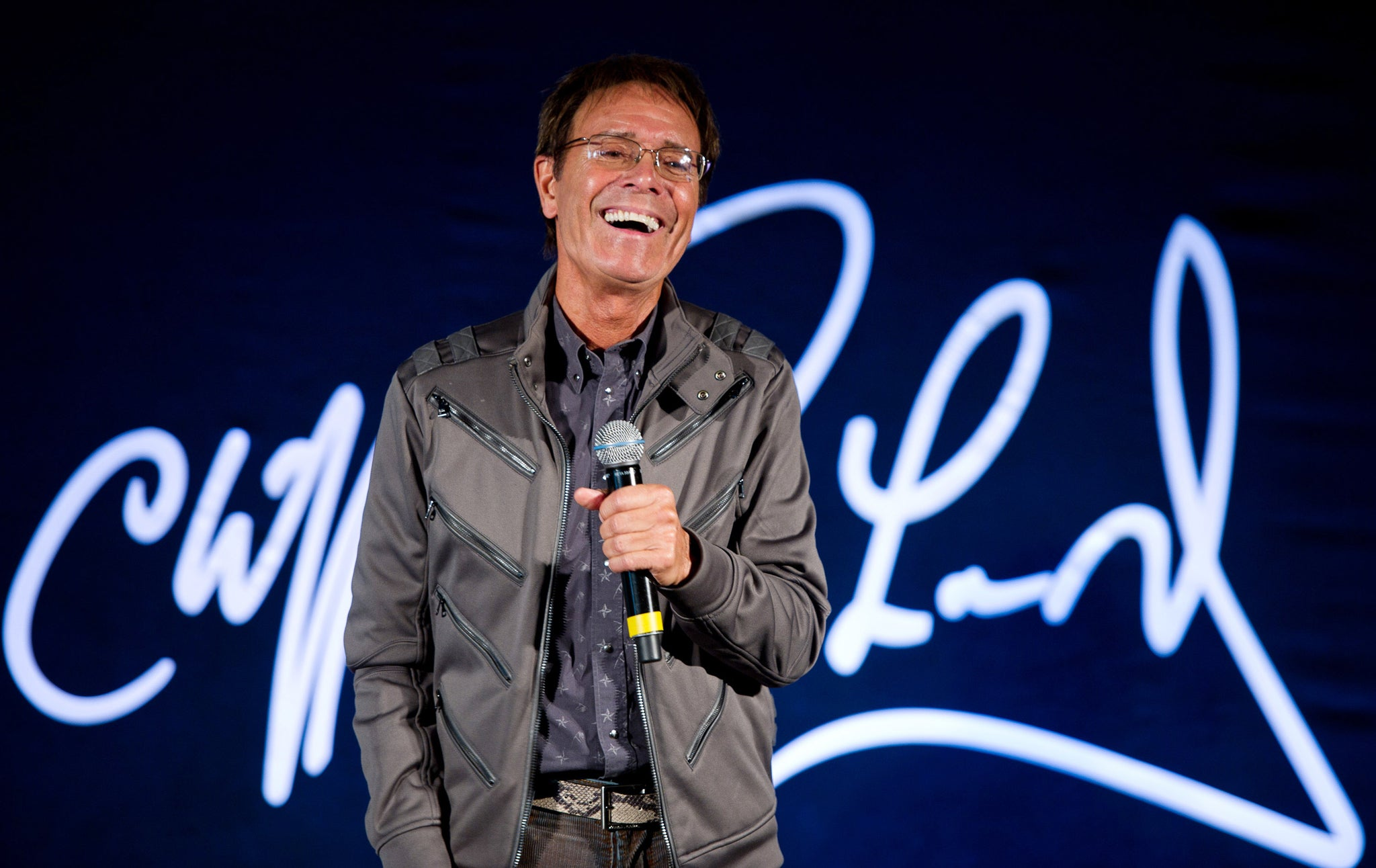 Cliff richard gay or straight
