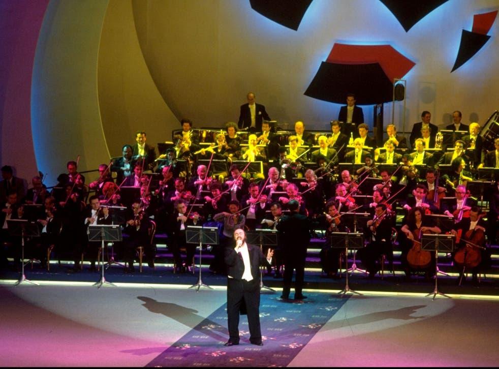 Showstopper: Pavarotti sings 'Nessun Dorma'