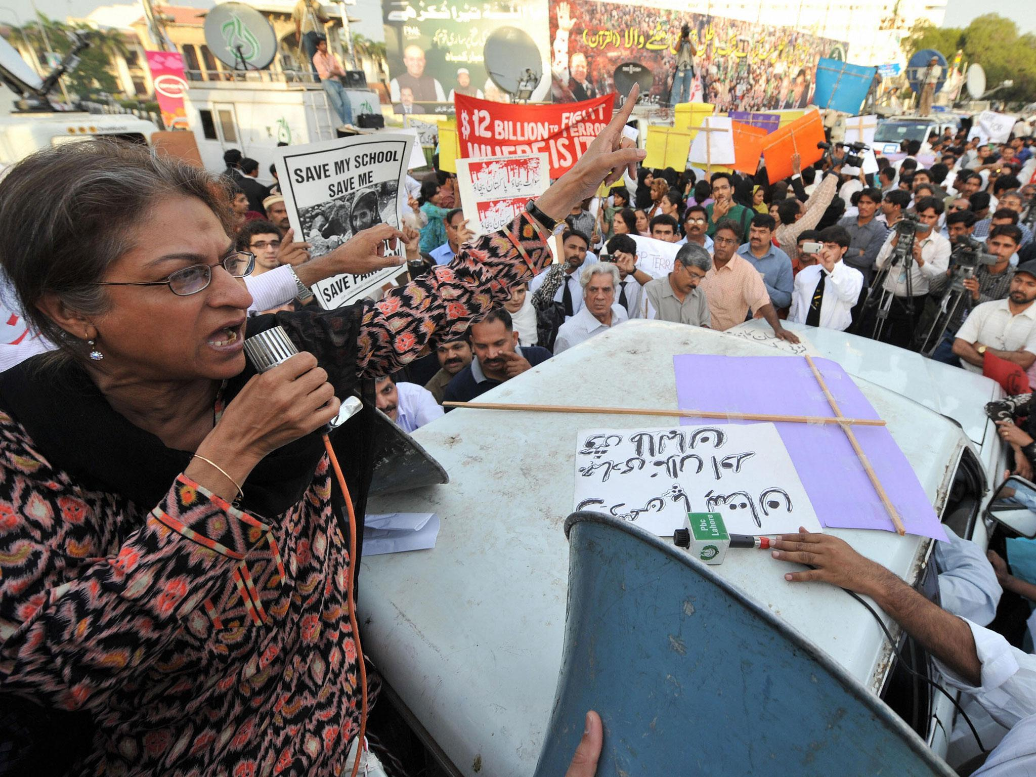 Asma Jahangir: Pakistani human rights lawyer who risked ...