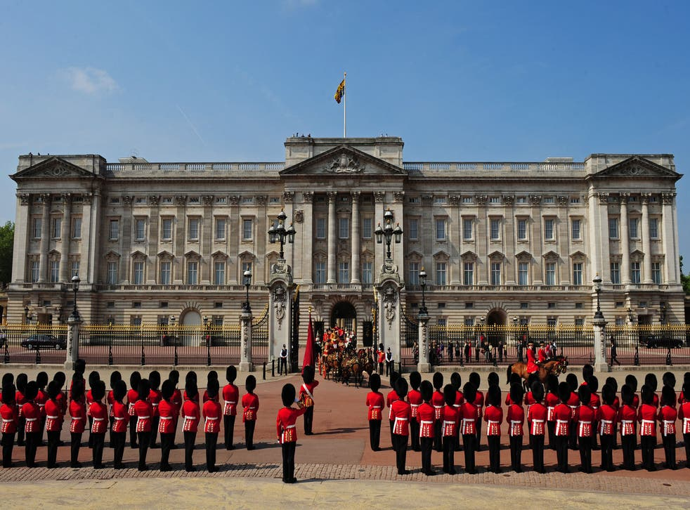 Two men have been arrested on suspicion of an attempted burglary at Buckingham Palace
