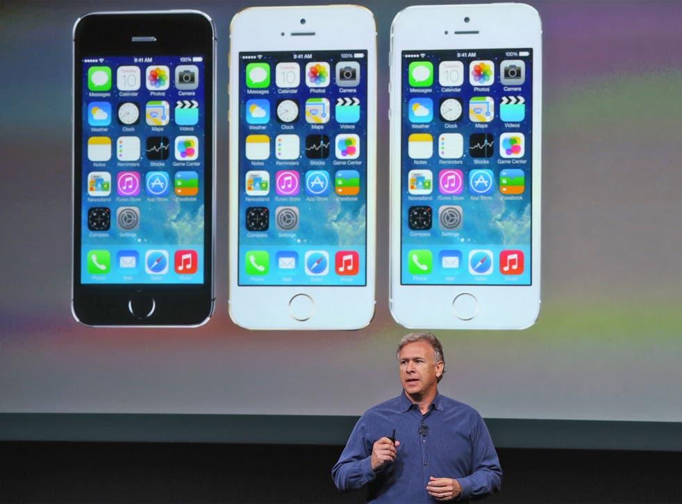 Apple's Phil Schiller introduces the iPhones 5S