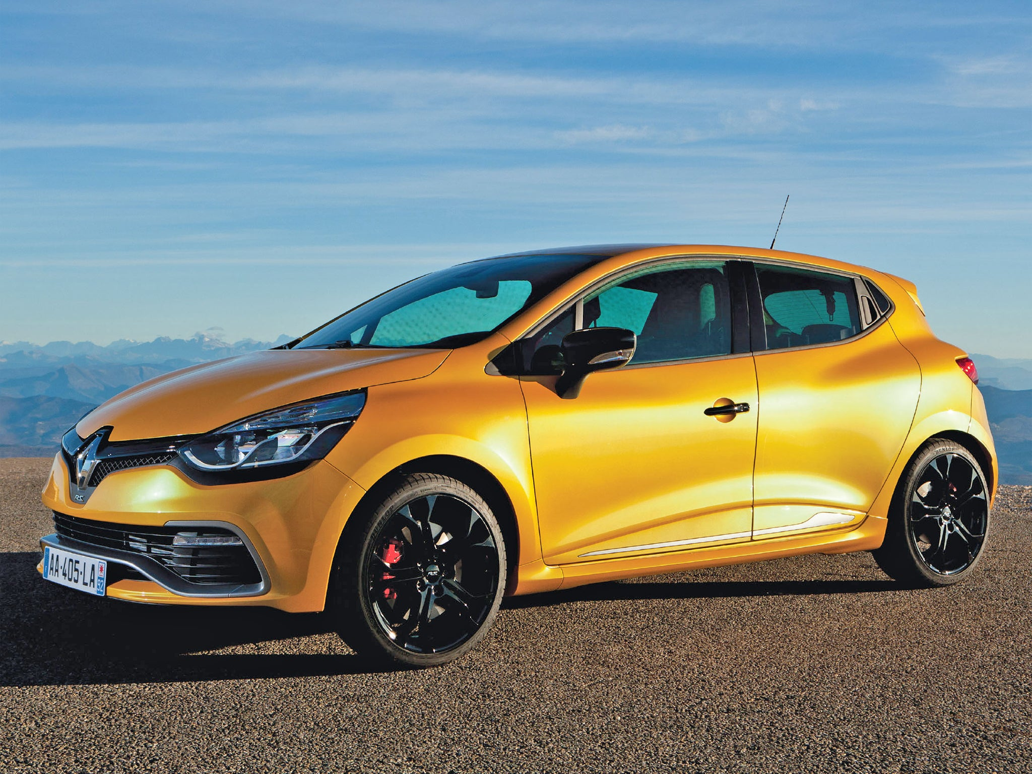 motoring review renault clio rs 200 turbo the independent. Black Bedroom Furniture Sets. Home Design Ideas