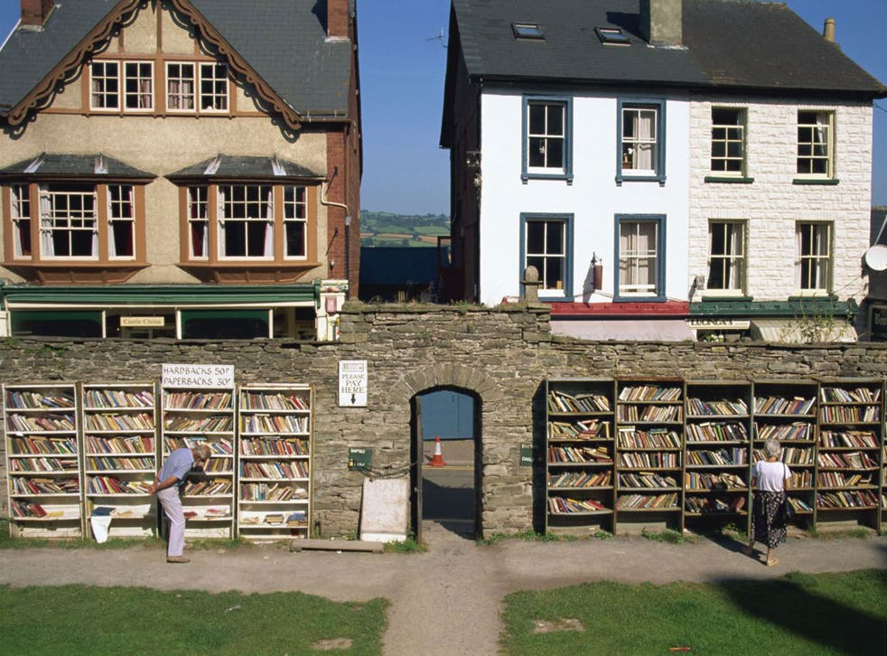 An outdoor bookshop in Hay-on-Wye