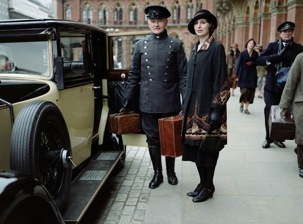 Laura Carmichael, right, as Lady Edith